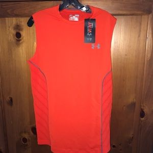 NWT MENS UNDER ARMOUR  FITTED HEAT GEAR TEE